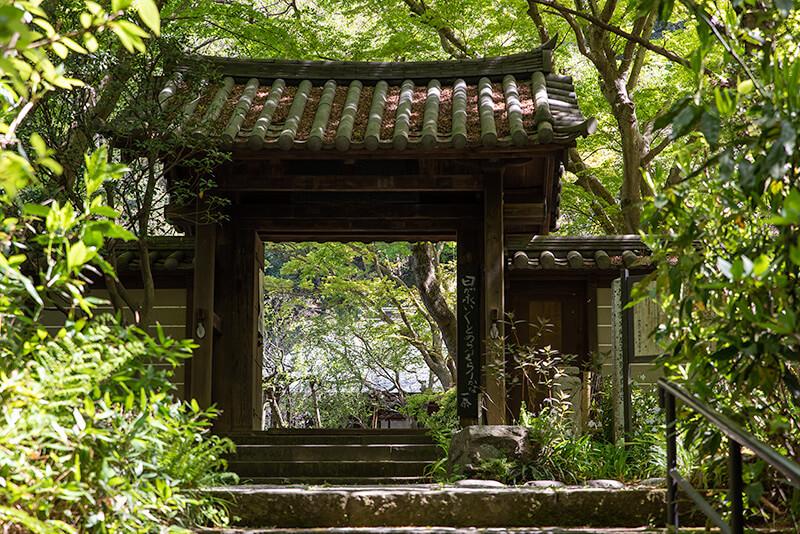 135.Дзуйсэн-дзи.Ворота саммон.jpg