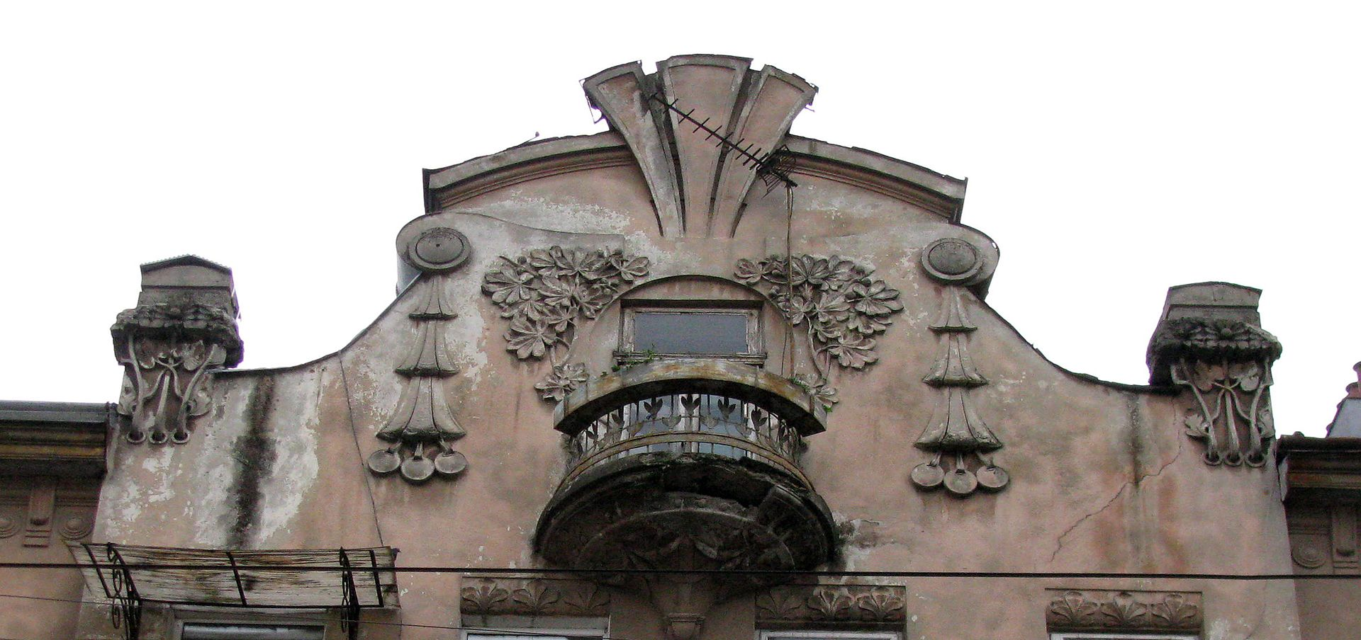 13_Nechuia-Levytskoho_Street,_Lviv_(04).jpg