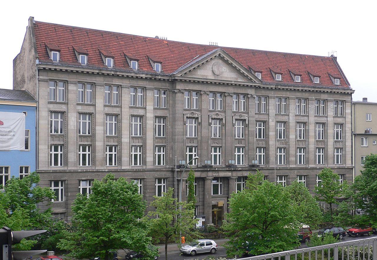 13Berlin-kreuzberg_tempelhofer-ufer-23-24_20050506_008_part.jpg