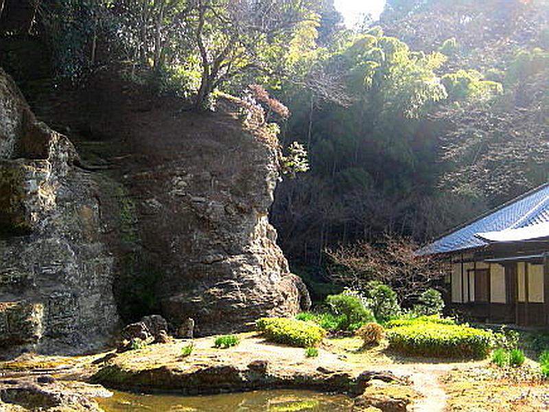 148.Дзуйсэн-дзи.Скальный сад, водопад.jpg