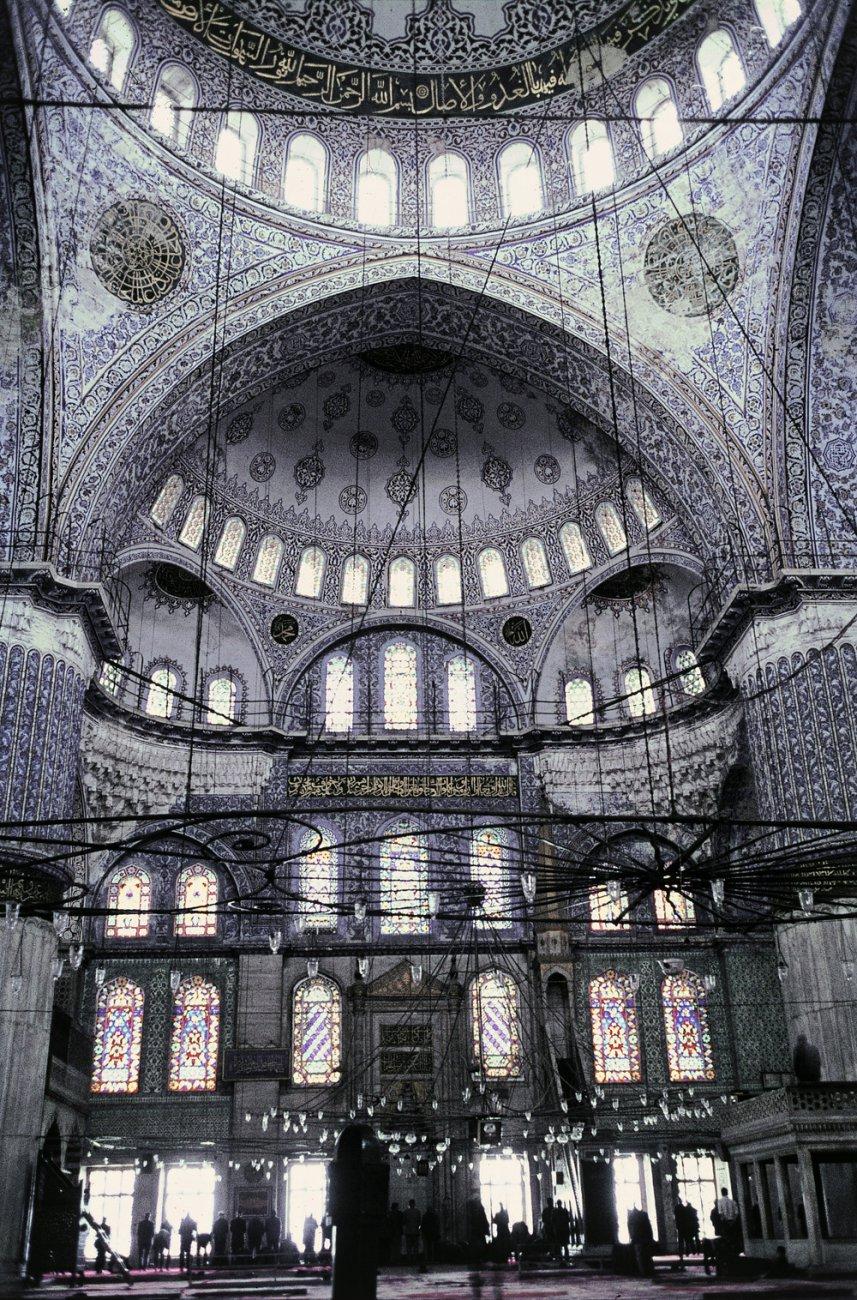 1617Sultan-Ahmed-moskeen-_Den-Blaa-Moske_-i-Istanbul_-Tyrkiet.-HMH.jpg