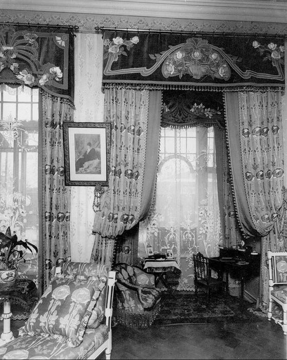 167.Дом Франка, кабинет.jpg