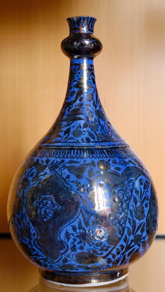 17dSafavid_bottle_MBA_Lyon_D664.jpg