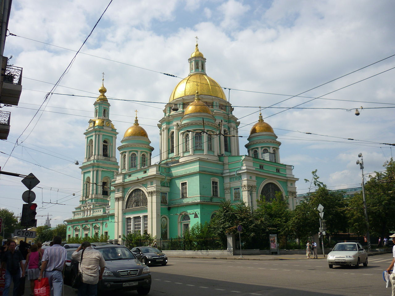 1845Church_of_the_Epiphany_in_Yelokhovo_(Moscow)-1.jpg