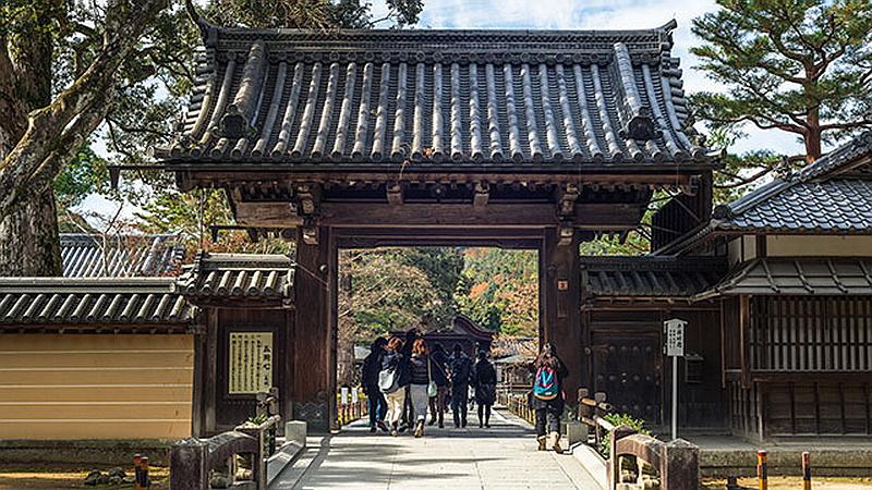 185.Кинкаку-дзи.Ворота сомон.jpg