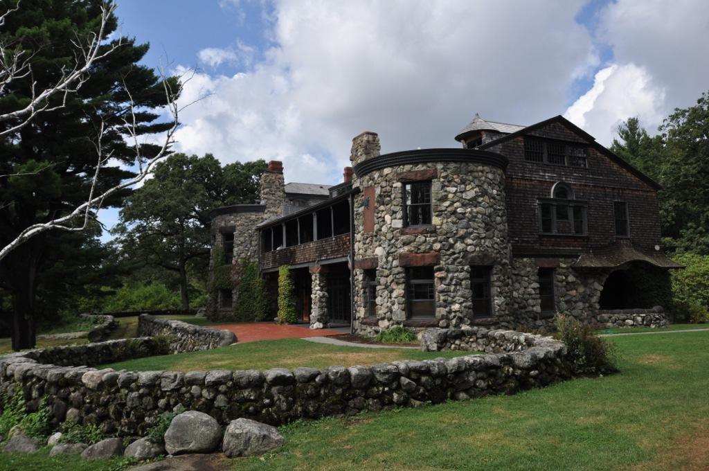 1866 PaineEstate_MainHouse_with_terrace.jpg