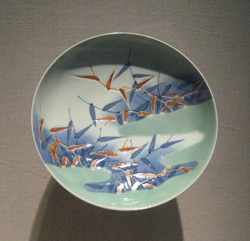18th-early_19th_dynasty_Nabeshima_dish_о(Edo_period).jpg