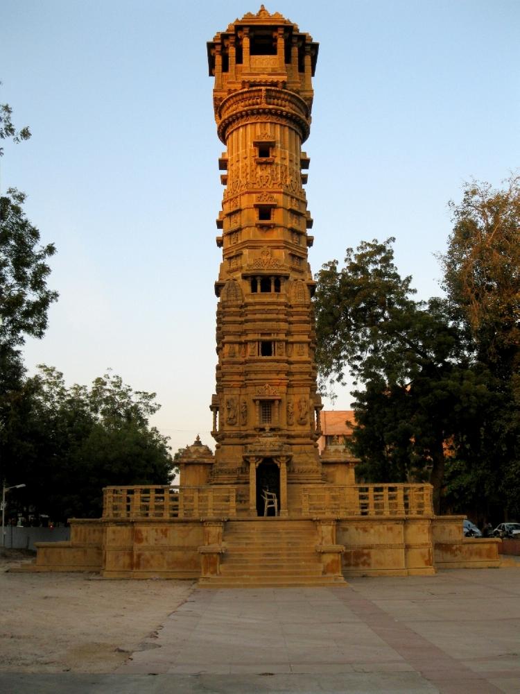 19 1848 uelг джайн тот жеуджаратLandmark,_huteesing_temple,_anupam_jana.jpg