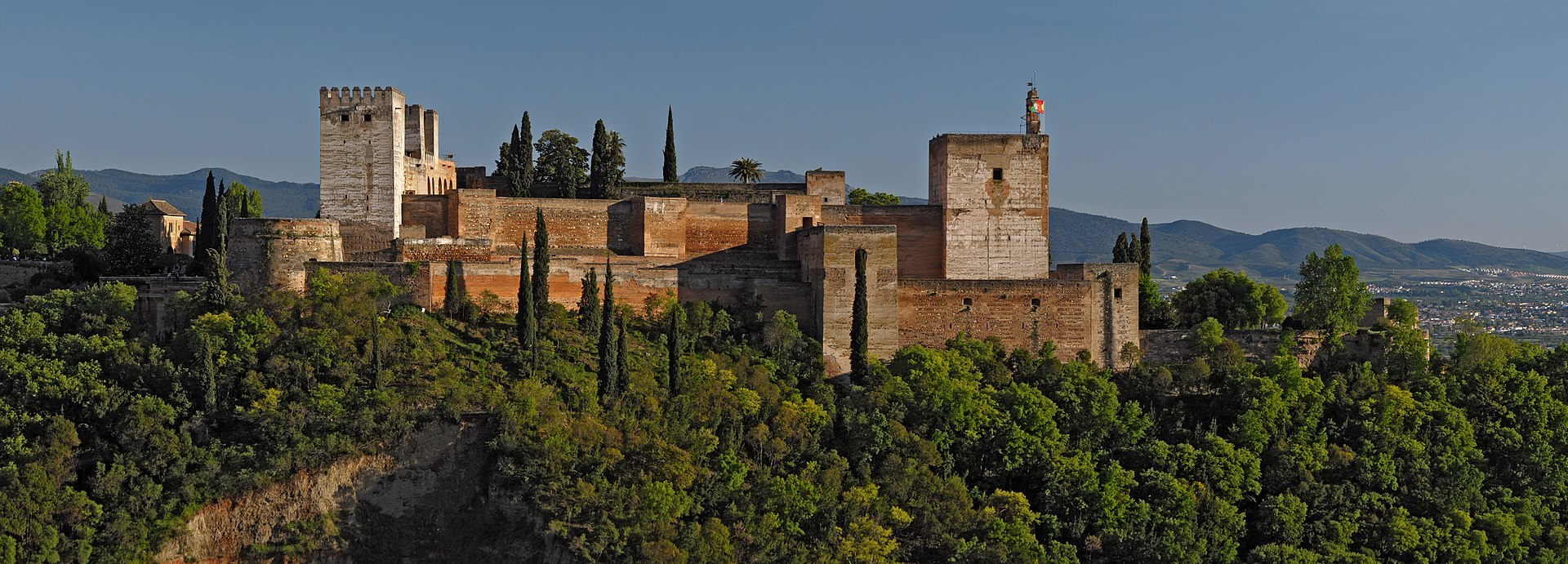 1920px-Alcazaba_of_the_Alhambra._Granada._Spain.jpg