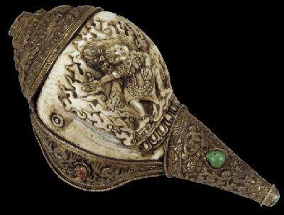 19conch-shell-horn-tibet-19thc-silver-ct-vajrapani-carving.jpg