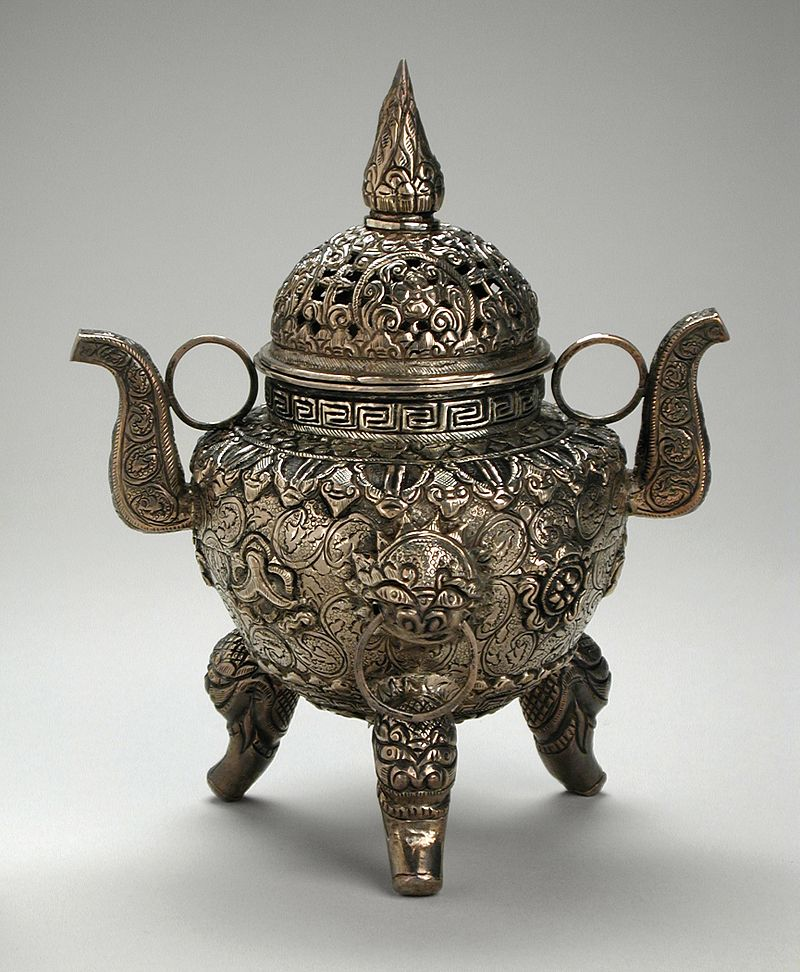 19Incense_Burner_LACMA_M.83.26.3a-b_(1_of_2).jpg
