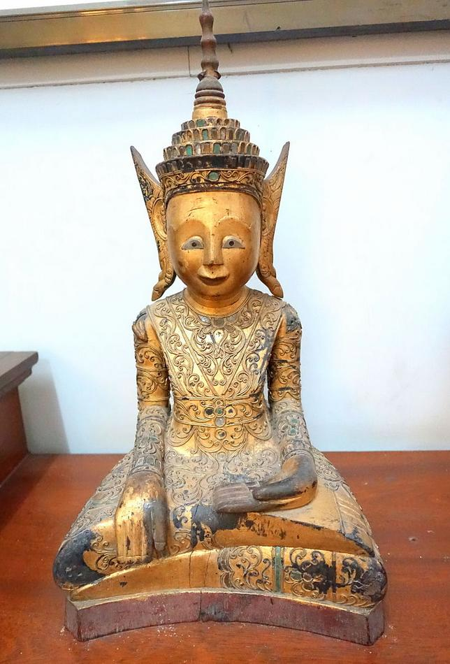 19Sakyamuni,_Cambodia,_19th_century_AD,_wood_and_engraved_glass_.JPG