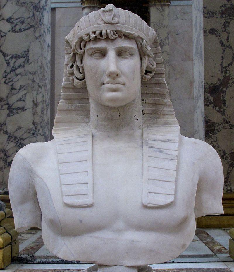 2вAntinous_Osiris_Louvre_2.jpg