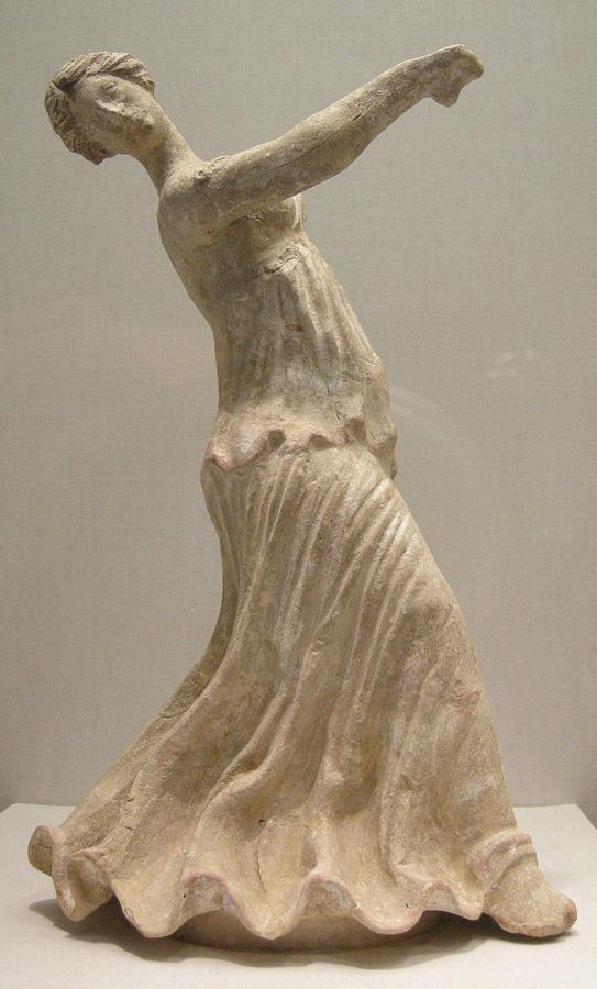 2 Arte_magnogreca_da_centuripe,_figura_di_danzatrice,_II_secolo_a.c..JPG