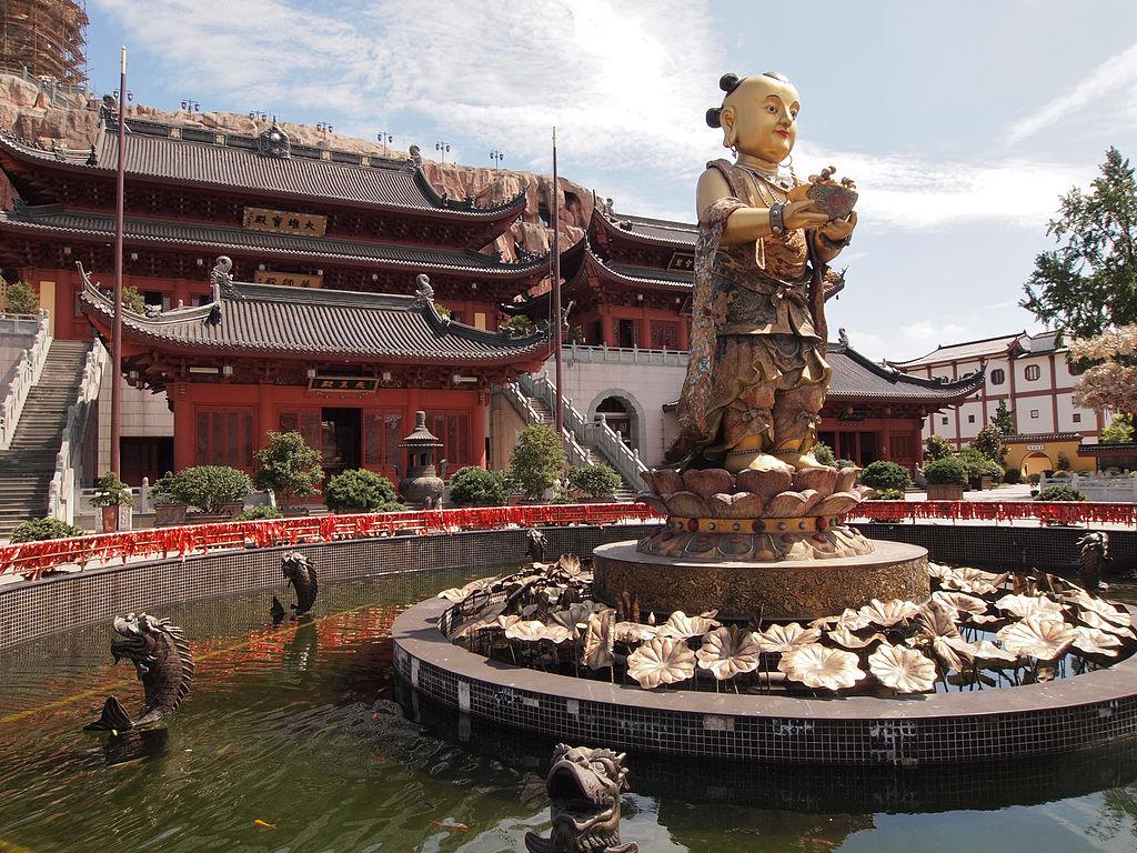 2004 Дунлинь шанхай1024px-Donglin_Temple_Shanghai_6.jpg