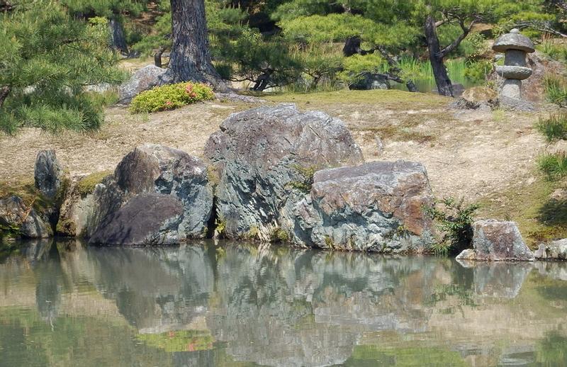 201.Кинкаку-дзи.Остров Асихарадзима, буддистская триада.jpg