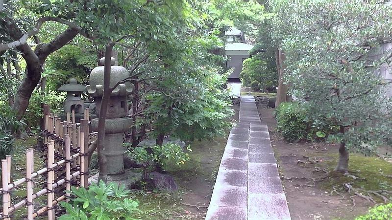 203.Ёсия Нобуко.Дорожка к дому.jpg