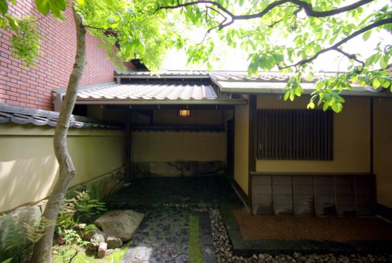 215.Китамура Киндзиро.Боковой вход.jpg