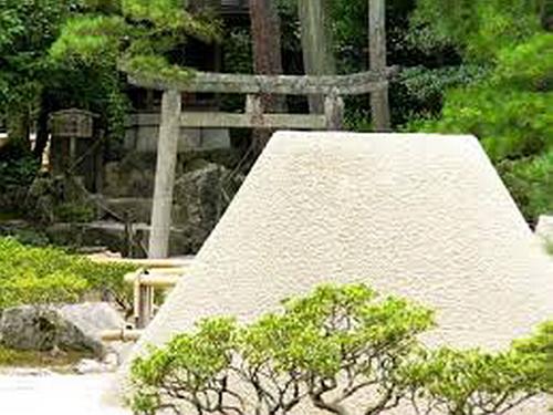 232.Гинкаку-дзи.Святилище Хатимана.jpg