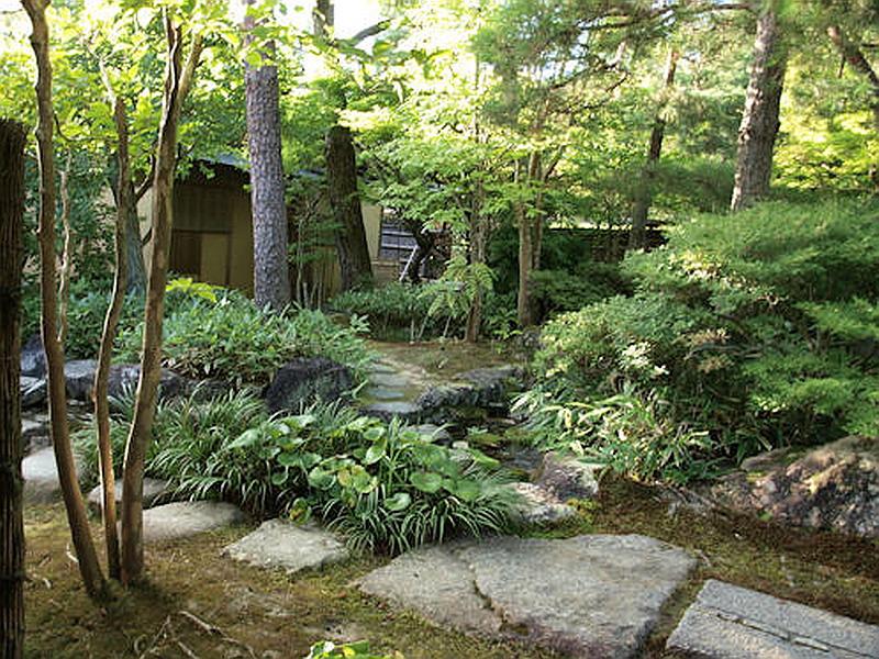 236.Гинкаку-дзи.Внутренний сад Главного храма.jpg