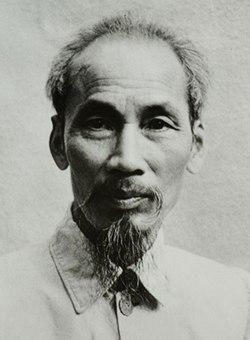 250px-Ho_Chi_Minh_1946.jpg