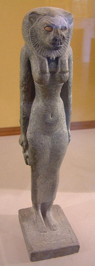 25dinEgypte_louvre_070_statue.jpg