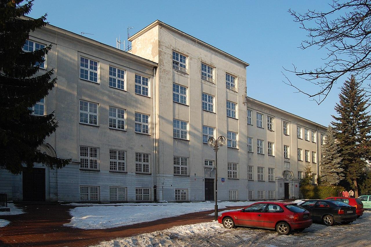 27 Warszawa_liceum_im._Hugona_Kołłątaja.jpg