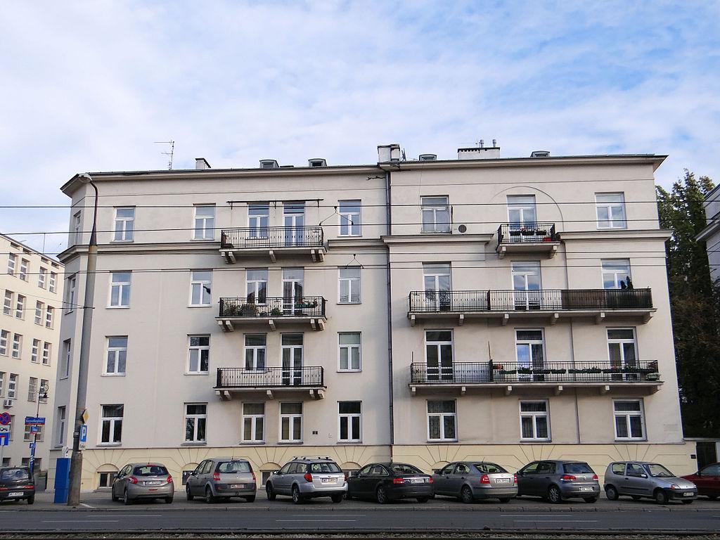 28 1024px-216,_Niepodległości_Avenue_in_Warsaw_-_01.jpg