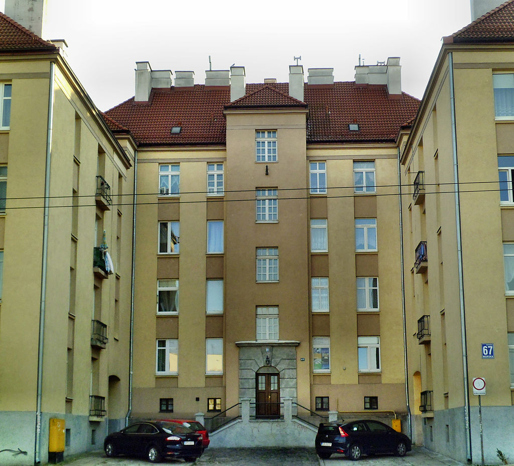 28 1024px-Gdynia,_ul._Morska_67_(2).jpg