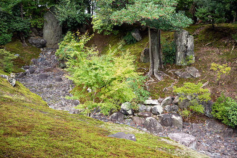 283.Сёкоку-дзи.  Дом Настоятеля,водопад.jpg