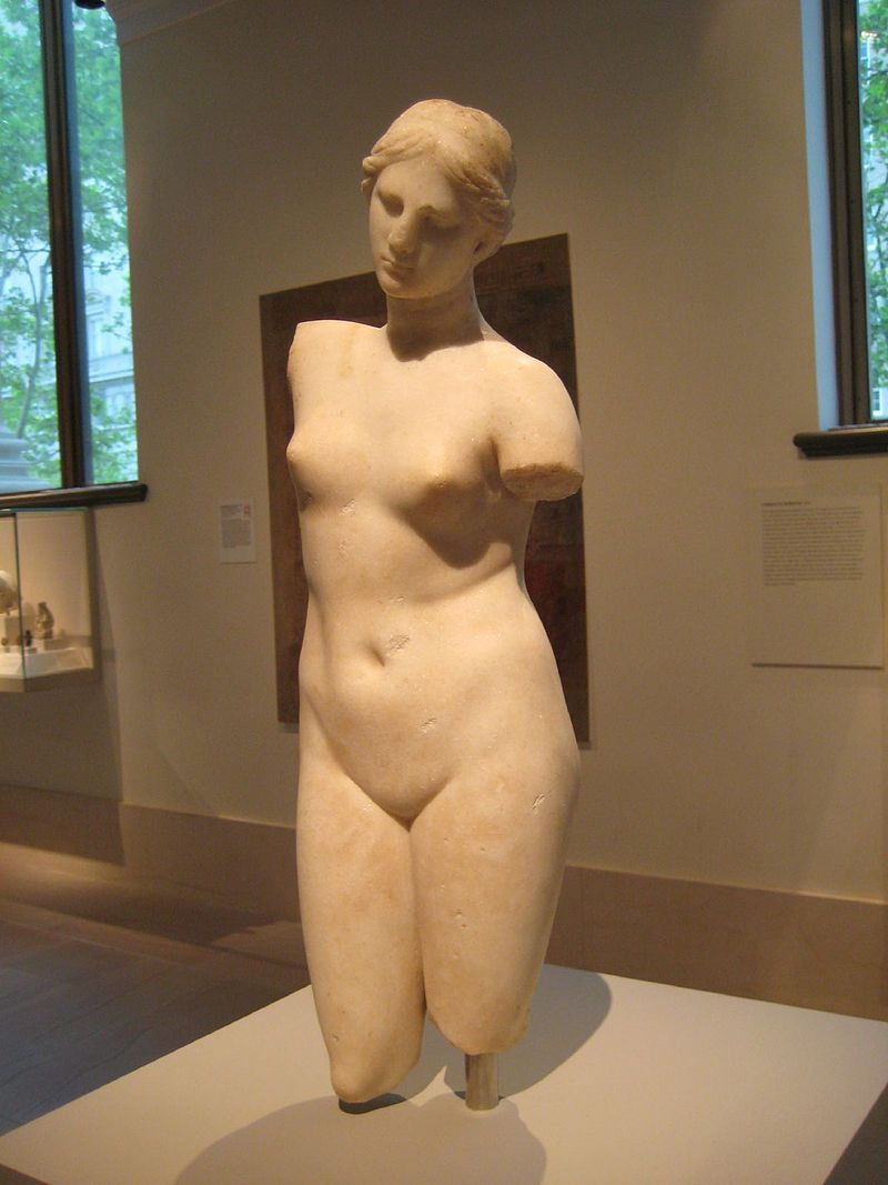 2Greek_Marble_Statue_of_Aphrodite_Anadyomene_(Hair-Binding).jpg