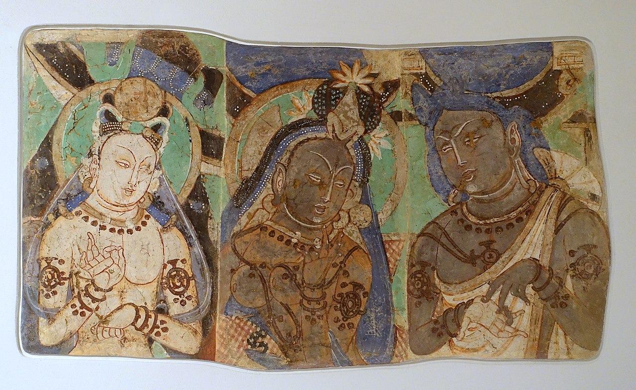 3-4-King_Ajatasaru,_His_Queen,_and_His_Minister_Varshakara,_кизил_c._251-403_AD,_.jpg