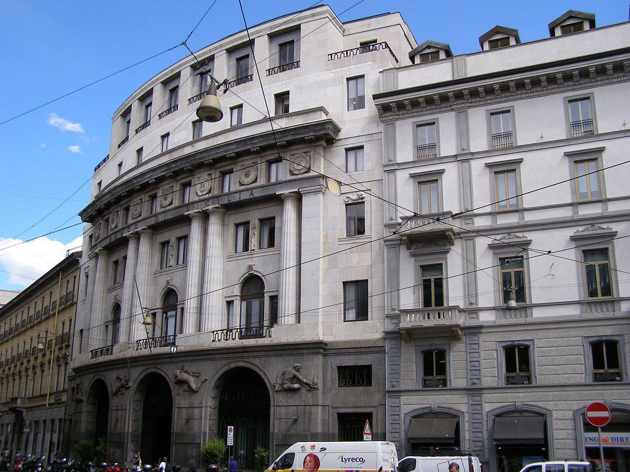 30-Milano_Via_Santa_Margherita_kamienica.jpg