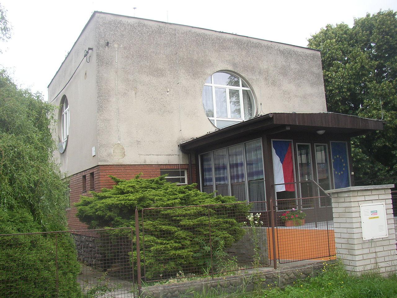 31-Velvary_KL_CZ_fmr_synagogue_124.jpg