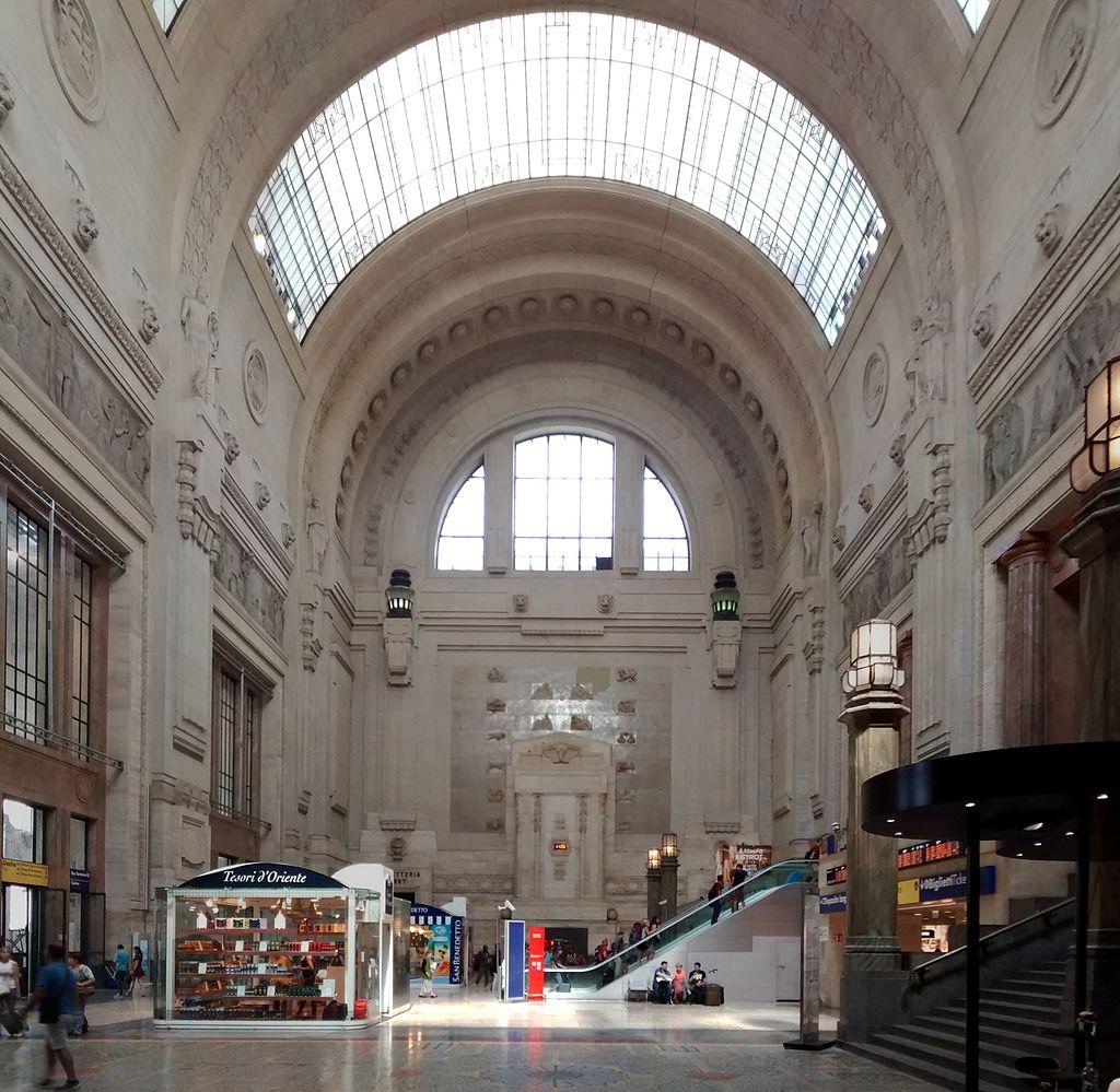 31Stazione-Milano-Centrale-Entrance-Hall-07-2014.jpg