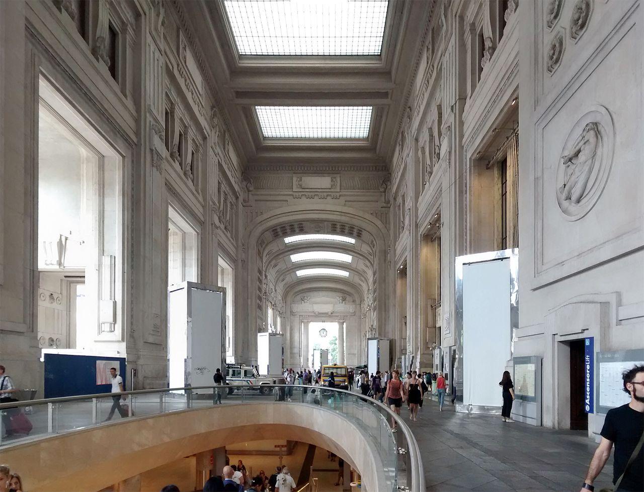 31Stazione-Milano-Centrale-Galleria-delle-Carrozze-07-2014.jpg