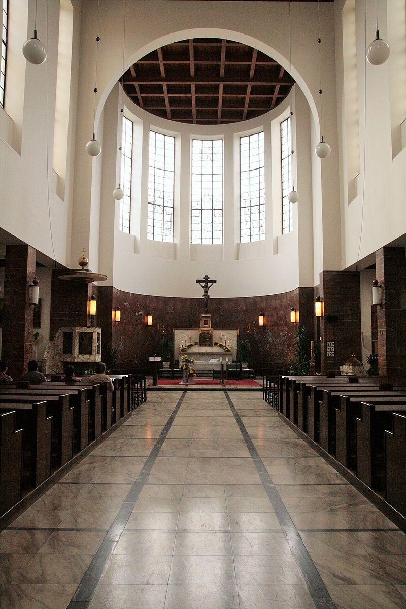 34Interiér_kostela_sv._Augustina,_náměstí_Míru,_Brno_2.jpg