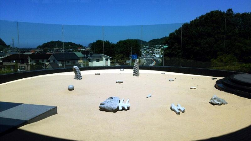 37.Такамацу Син.Музей песка.Сухой сад.jpg