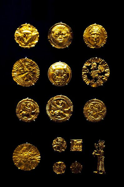 398px-Gold_artifacts_from_the_Oxus_Treasure_by_Nickmard_Khoey.jpg