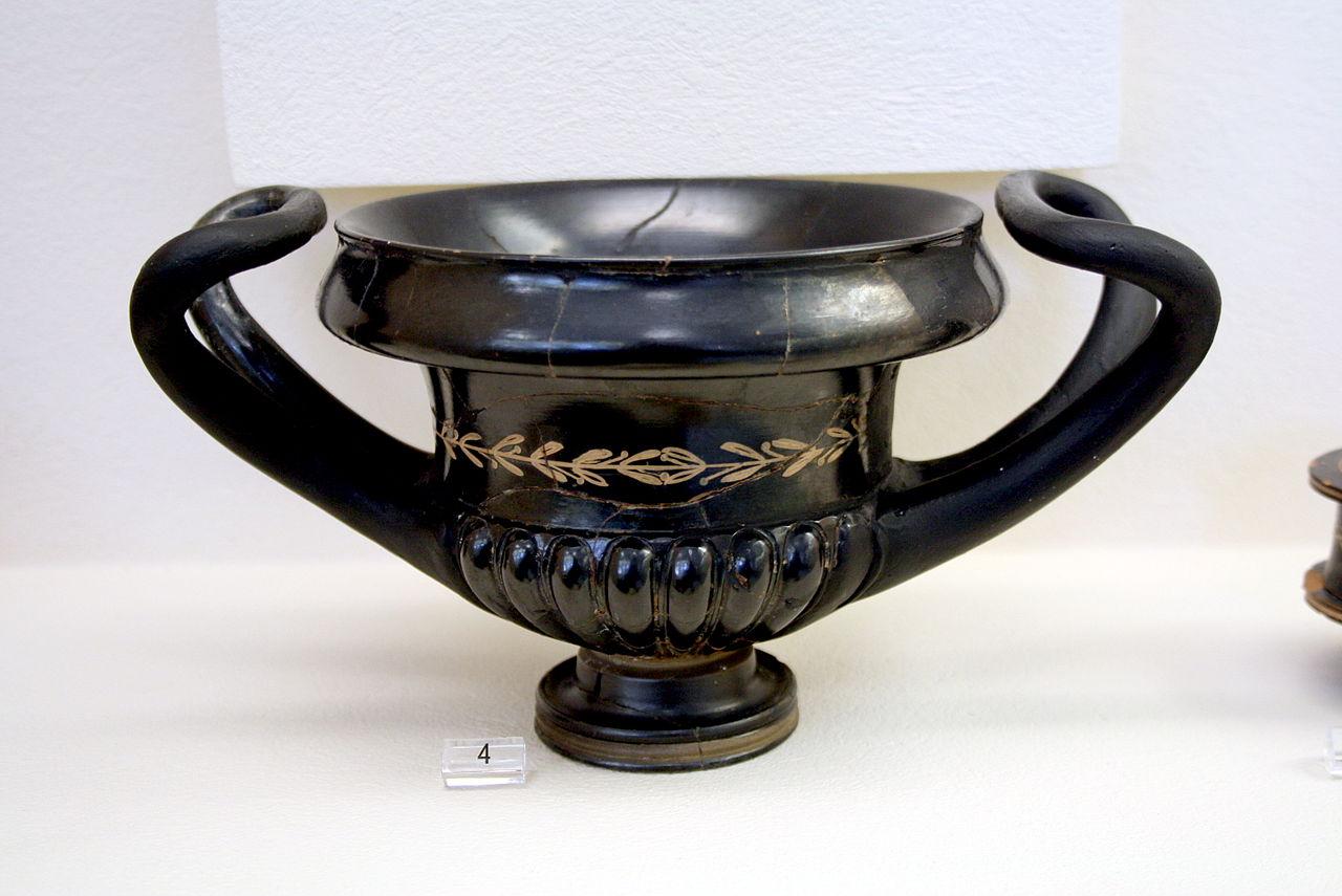 4 d 1185_-_Keramikos_Museum,_Athens_-_West_Slope_kantharos_-.jpg