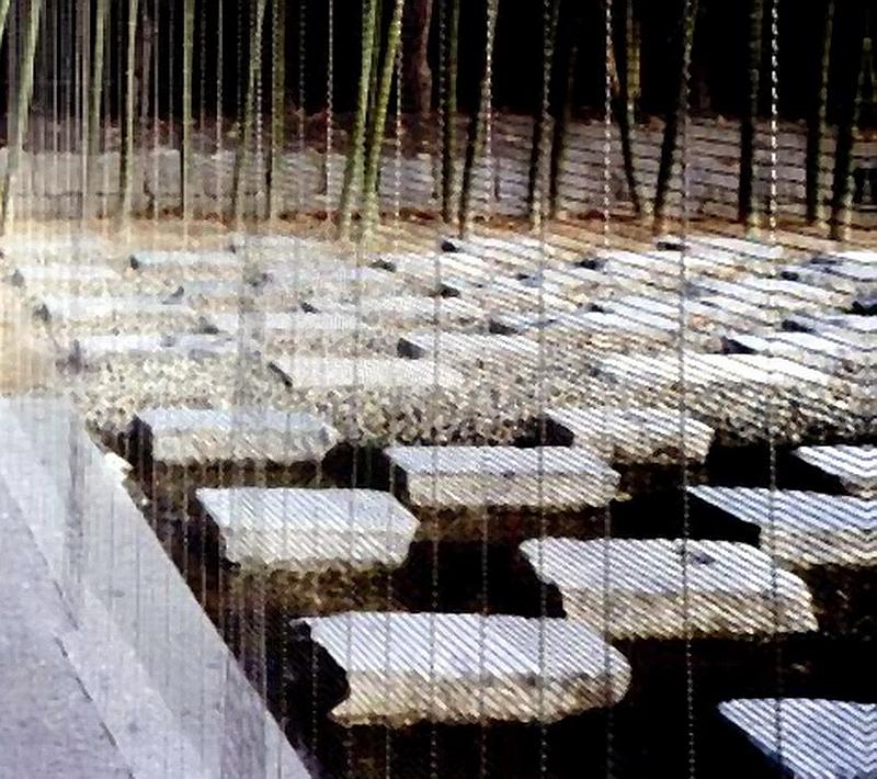 41.Кума Кэнго.Yien East.Каменные плиты.jpg