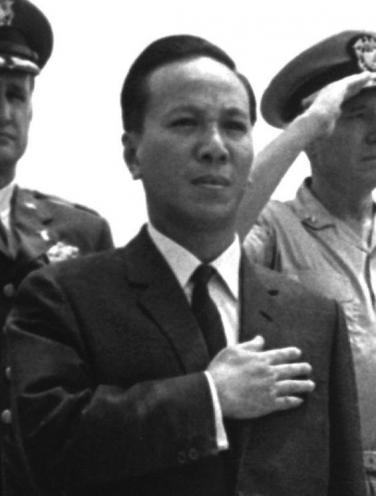 42347-Nguyen_Van_Thieu_1967-f-376x496.jpg