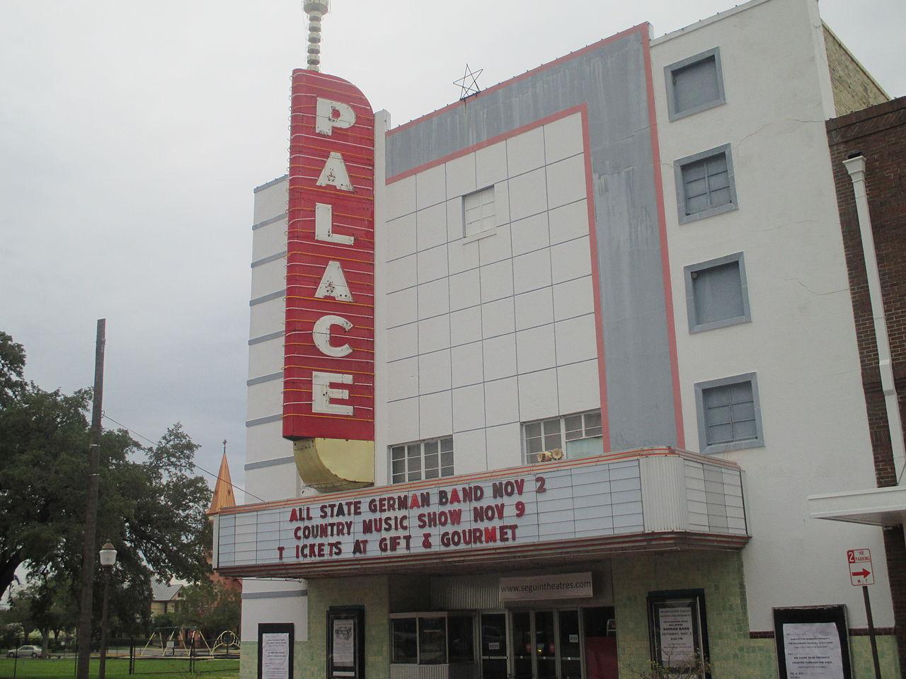 47-Palace_Theatre,_Seguin,_TX_IMG_8168.JPG