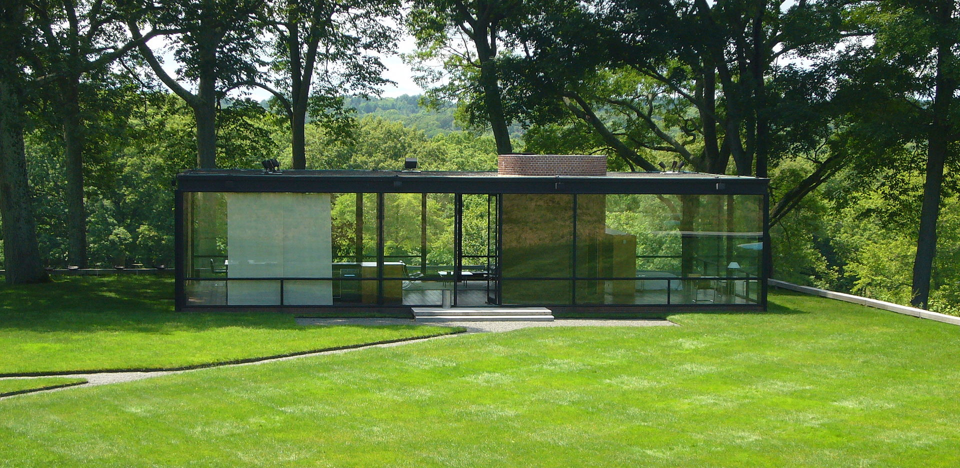49 Glasshouse-philip-johnson.jpg