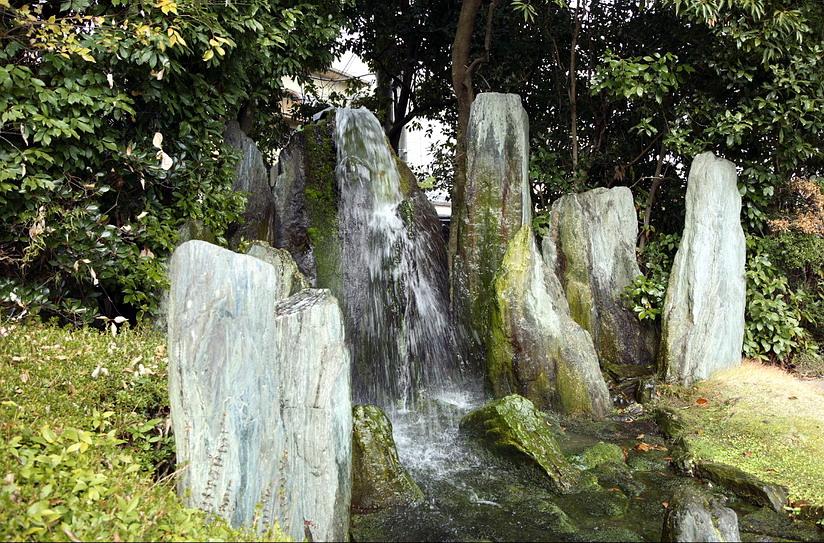 5.Сигэмори Мирэй.Хорай-тэй.Водопад.jpg