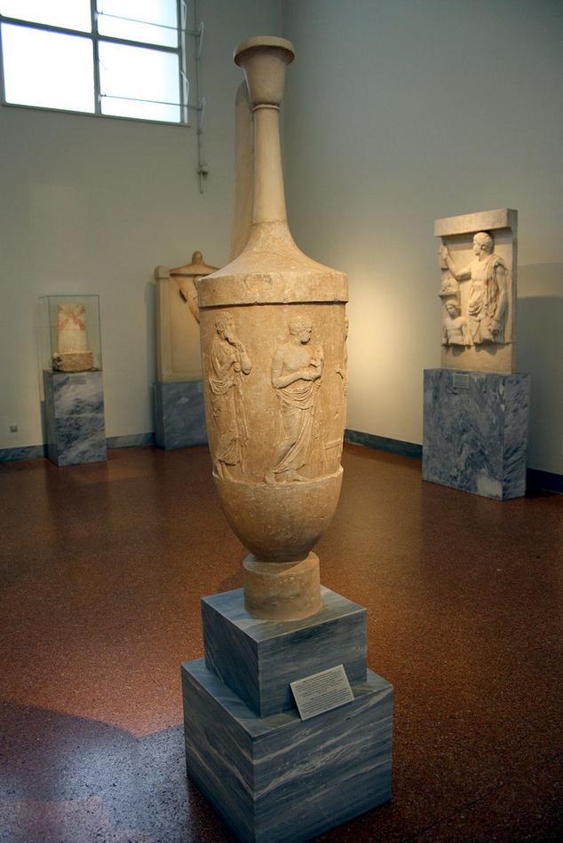 5 Archaeological_Museum,_Athens_-_Funerary_lekythos_-_Photo_by_Giovanni_Dall'Orto,_Nov_10_2009.jpg
