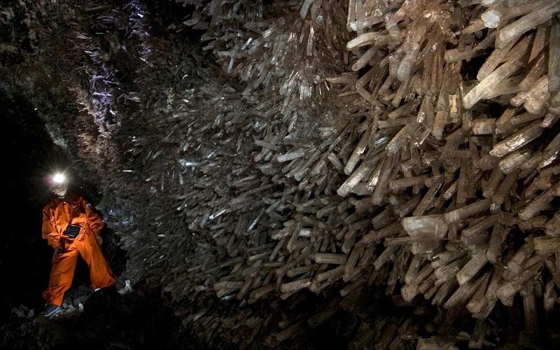 6-Пещера мечей в шахте Найка, Мексика.jpg
