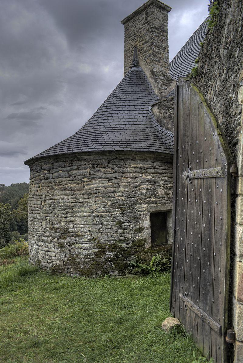 6-_Tour_de_guet_du_chateau.jpg