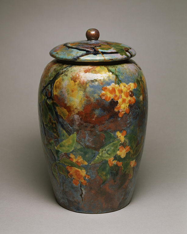 614px-Tiffany_and_Company_-_Covered_Jar_-_Walters_44589_-_Profile.jpg
