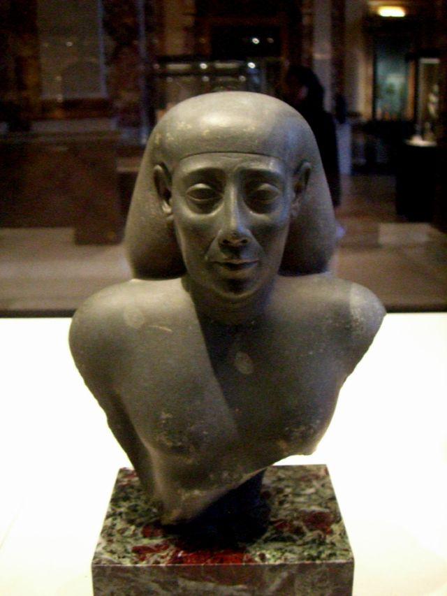 640px-Louvre_122007_53.jpg